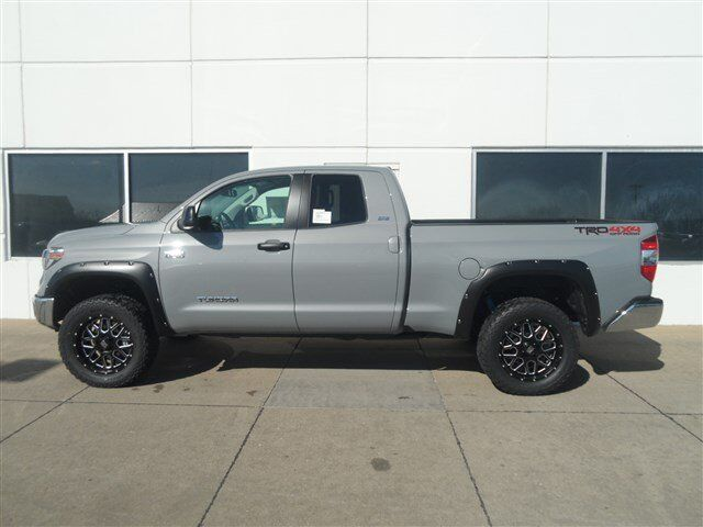 2018 Toyota Tundra Lifted D Cab Trd Off Road Moline Il