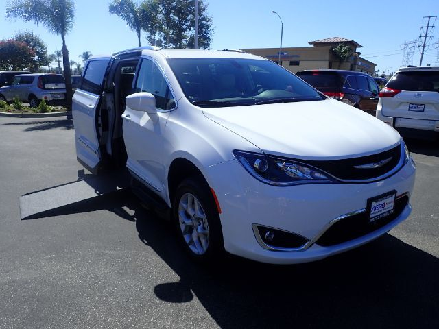 2018 VMI Chrysler Pacifica Northstar Touring L Plus w Power Infloor Ramp Anaheim CA