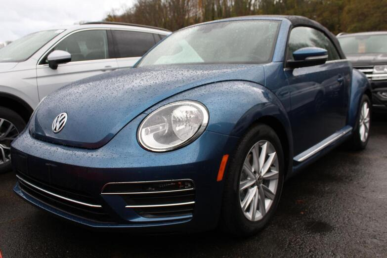 2018 Volkswagen Beetle Convertible S with Style and Comfort Seattle WA
