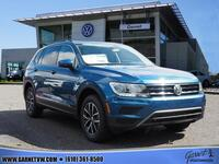 Volkswagen Tiguan 2.0T SE 4Motion w/Pano Roof and 3rd Row 2018