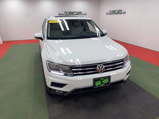 2018 Volkswagen Tiguan 2.0T SEL 4MOTION W/ PANORAMIC SUN ROOF AND NAV Oshkosh WI