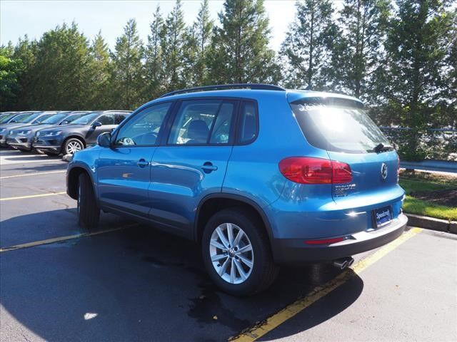 2018 Volkswagen Tiguan Limited Limited with 4MOTION® Wakefield RI