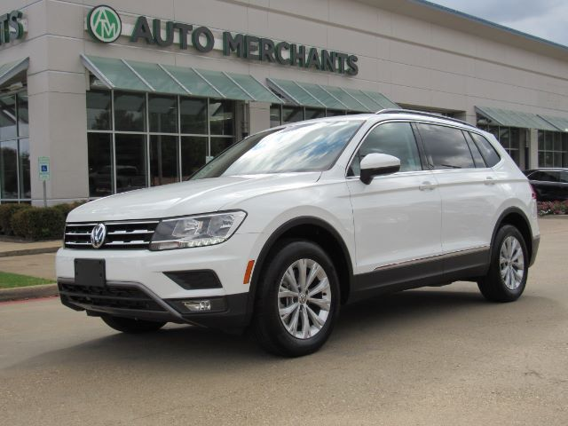 2018 Volkswagen Tiguan SE LEATHER, HTD FRONT STS, PANORAMIC SUNROOF, BLIND SPOT, APPLE CARPLAY, UNDER FACTORY WARRANTY Plano TX