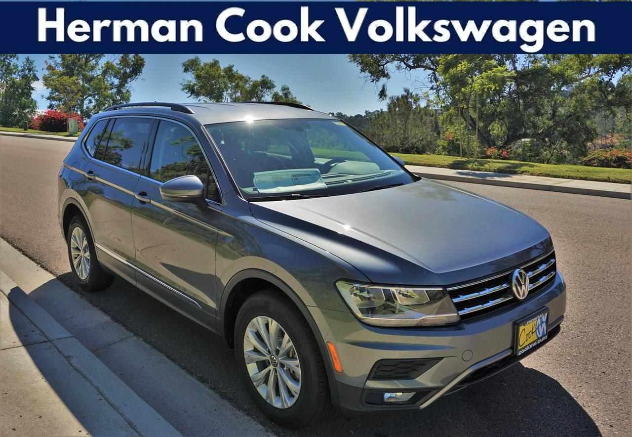 2018 Volkswagen Tiguan SE with 4MOTION®
