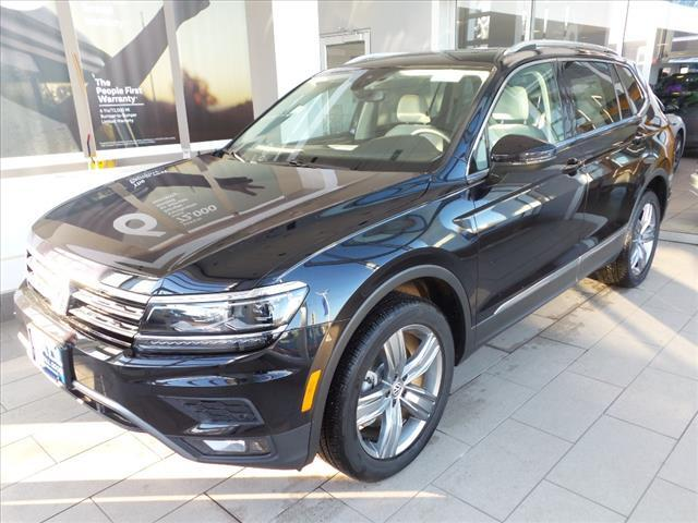 2018 Volkswagen Tiguan SEL Premium with 4MOTION® Brookfield WI