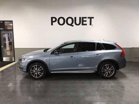 2018 Volvo V60 Cross Country  Golden Valley MN