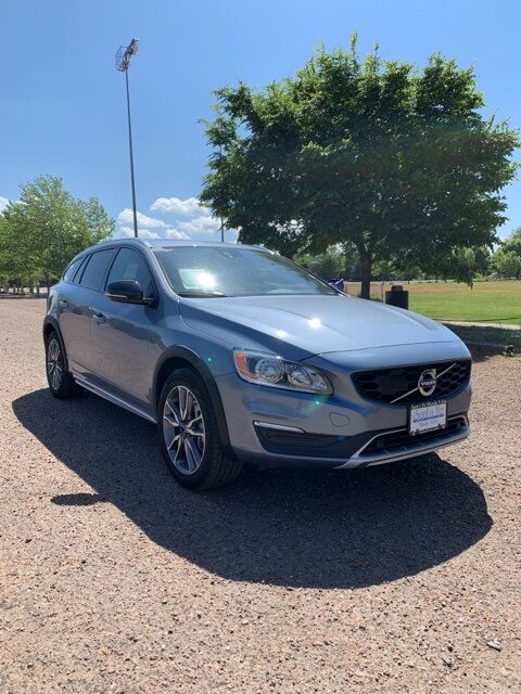 2018_Volvo_V60 Cross Country_T5_ Santa Fe NM
