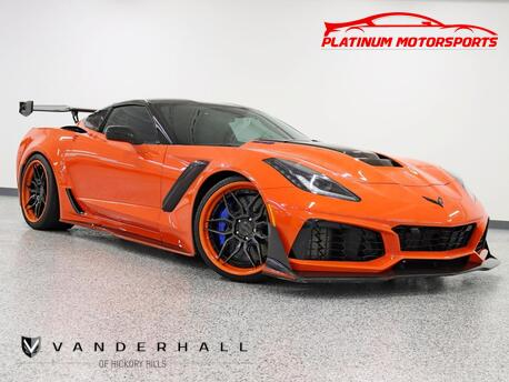 2019_Chevrolet_Corvette ZR1 3ZR_1 Owner Track Pkg Competition Seats Lowered Carbon Fiber Everywhere_ Hickory Hills IL