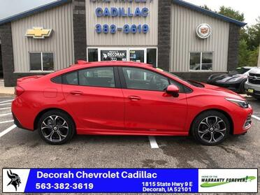 2019_Chevrolet_Cruze_LT_ Decorah IA