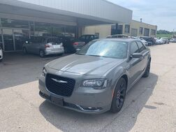 2019_Chrysler_300_300S RWD_ Cleveland OH