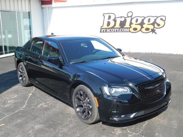 2019 Chrysler 300 300S RWD Fort Scott KS