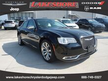2019_Chrysler_300_Limited RWD_ Slidell LA