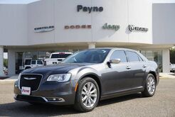 2019_Chrysler_300_Limited_ Weslaco TX