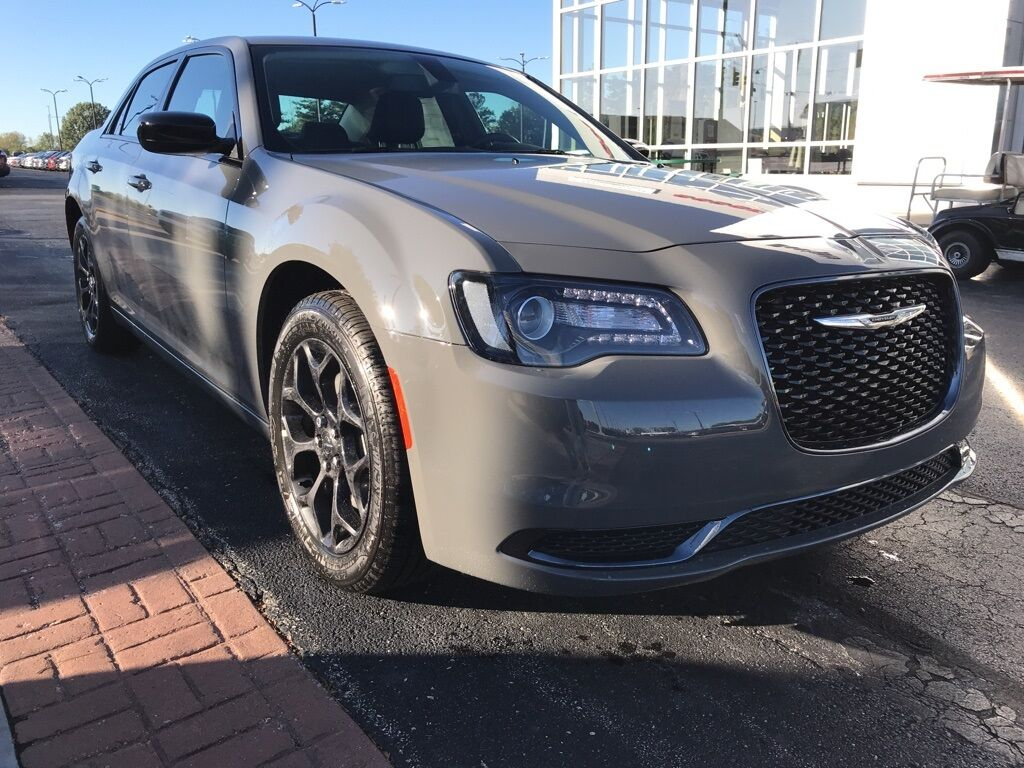 2019 Chrysler 300 TOURING AWD Indianapolis IN