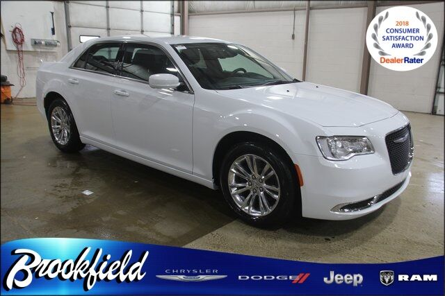 2019 Chrysler 300 TOURING L Benton Harbor MI