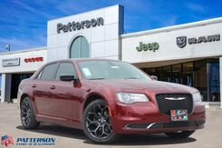 2019_Chrysler_300_Touring_ Wichita Falls TX