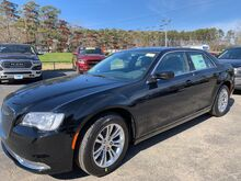 2019_Chrysler_300_Touring_ Clinton AR