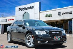 2019_Chrysler_300_Touring L_ Wichita Falls TX