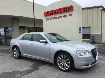 2019_Chrysler_300_Touring L_ Cape Girardeau