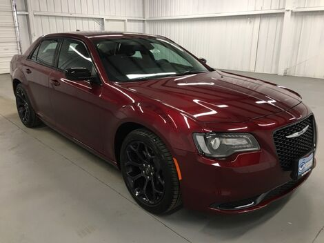 2019_Chrysler_300_Touring_ McAllen TX