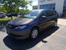 2019_Chrysler_Pacifica_L_ Milwaukee and Slinger WI