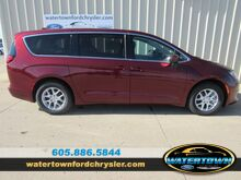 2019_Chrysler_Pacifica_LX_ Watertown SD