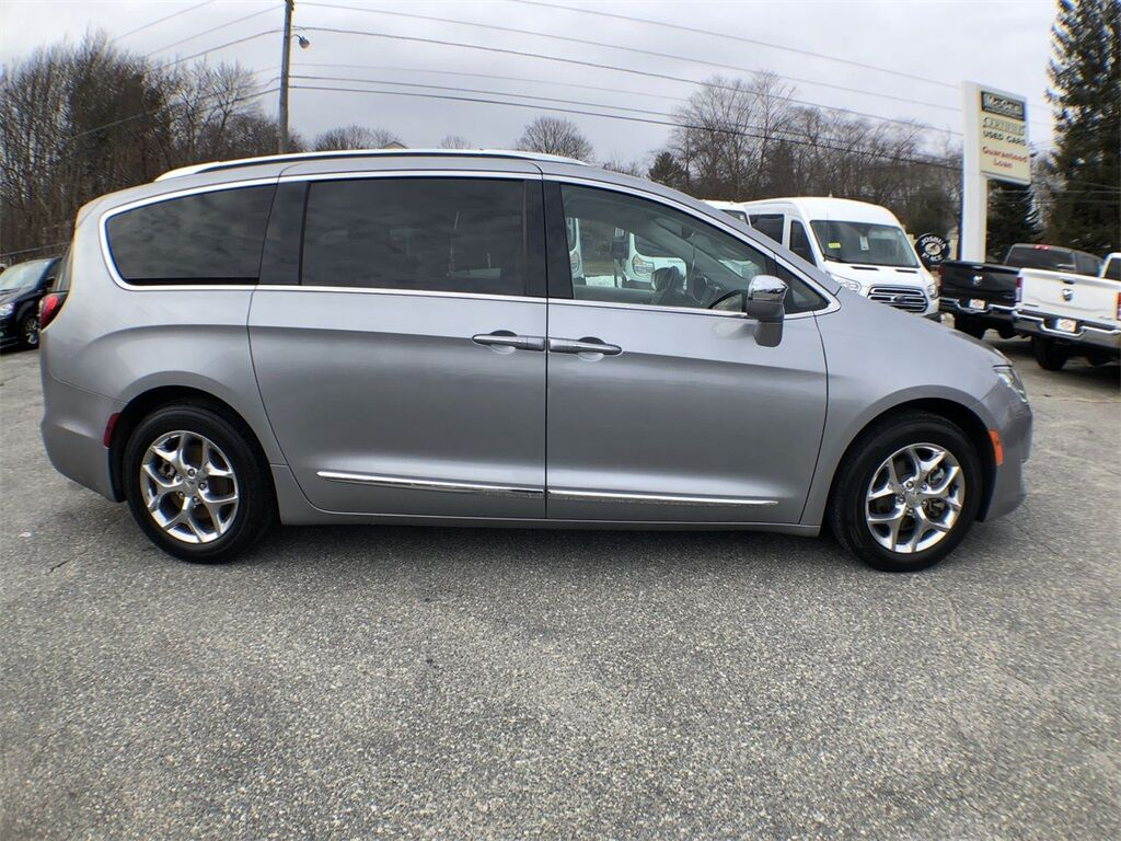 2019 Chrysler Pacifica Limited Dudley MA