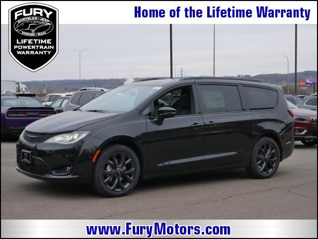 2019 Chrysler Pacifica Limited FWD Stillwater MN