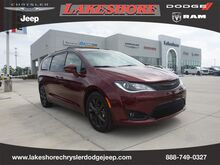 2019_Chrysler_Pacifica_Limited_ Slidell LA