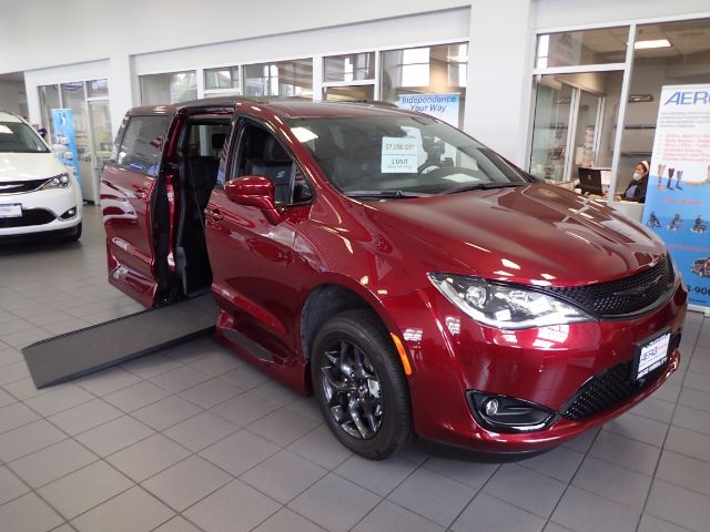 2019 Chrysler Pacifica S Mobility