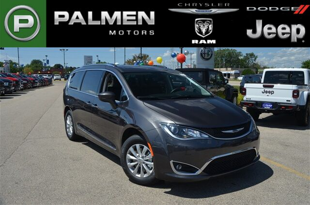2019 Chrysler Pacifica TOURING L Kenosha WI