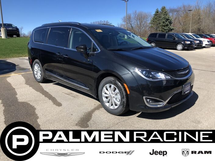 2019 Chrysler Pacifica TOURING L Racine WI