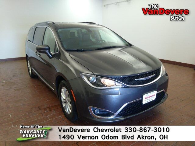 2019 Chrysler Pacifica Touring L Akron OH