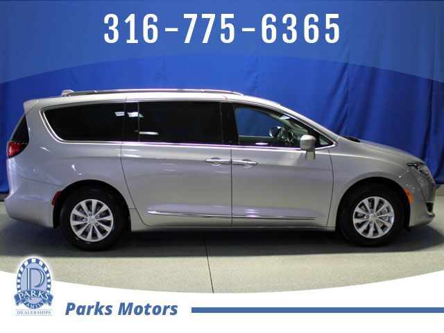 2019 Chrysler Pacifica Touring L Wichita KS