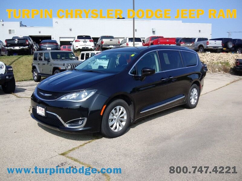 2019 Chrysler Pacifica Touring L Dubuque IA
