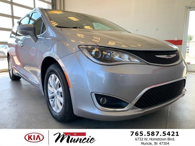 2019 Chrysler Pacifica Touring L FWD Muncie IN