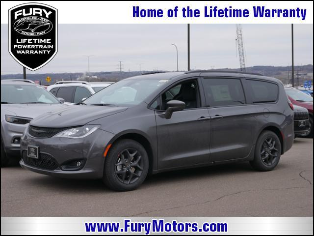 2019 Chrysler Pacifica Touring L FWD Stillwater MN