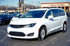 2019_Chrysler_Pacifica_Touring L_ Fort Wayne Auburn and Kendallville IN