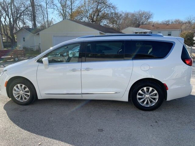 2019 Chrysler Pacifica Touring L Glenwood IA