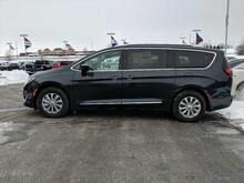 2019_Chrysler_Pacifica_Touring L_ Milwaukee and Slinger WI