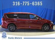 2019_Chrysler_Pacifica_Touring L Plus_ Wichita KS