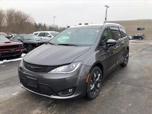 2019_Chrysler_Pacifica_Touring L Plus_ Milwaukee and Slinger WI