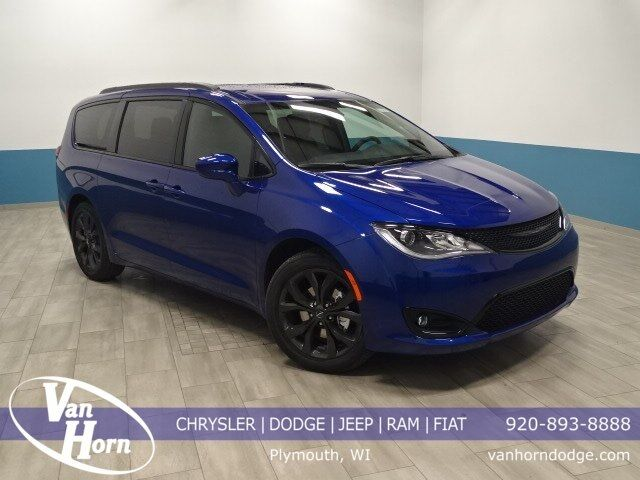 2019 Chrysler Pacifica Touring L Plus Plymouth WI