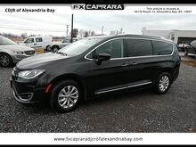 2019_Chrysler_Pacifica_Touring L_ Watertown NY
