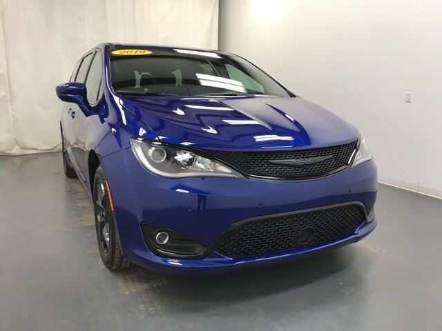 2019 Chrysler Pacifica Touring Plus Holland MI