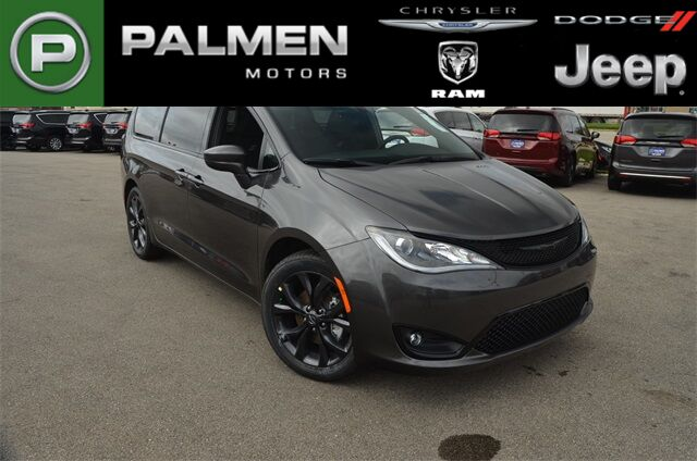 2019 Chrysler Pacifica Touring Plus Racine WI