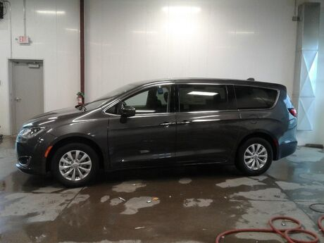 2019 Chrysler Pacifica Touring Plus Viroqua WI