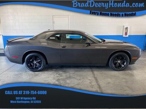 2019_Dodge_Challenger_SXT_ West Burlington IA