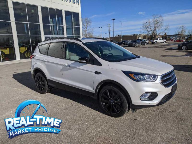 2019_Ford_Escape_Titanium 4WD_ Claresholm AB