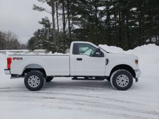 2019_Ford_F-350_4x4 Regular Cab XL_ Fond du Lac WI